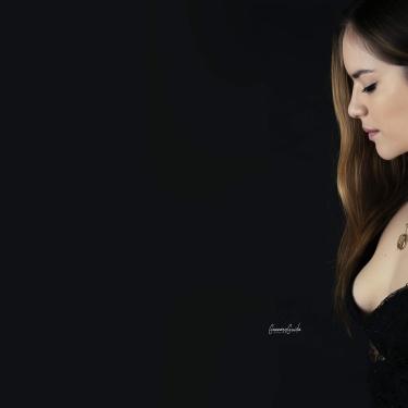 Monica in Studio