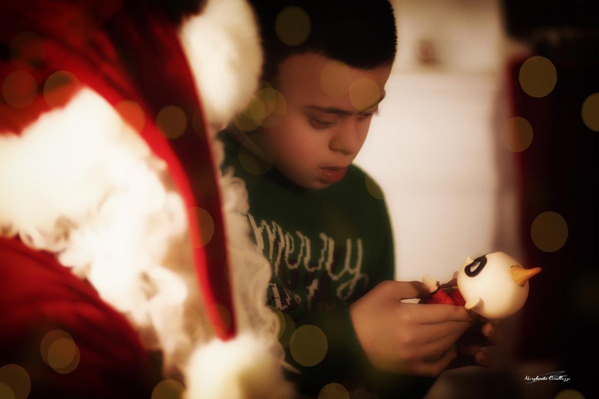 """""""Fa bene a momenti tornar bambini, e più che mai a Natale, ch'è una festa istituita da Dio fattosi anch'egli bambino"""" - Charles Dickens"""