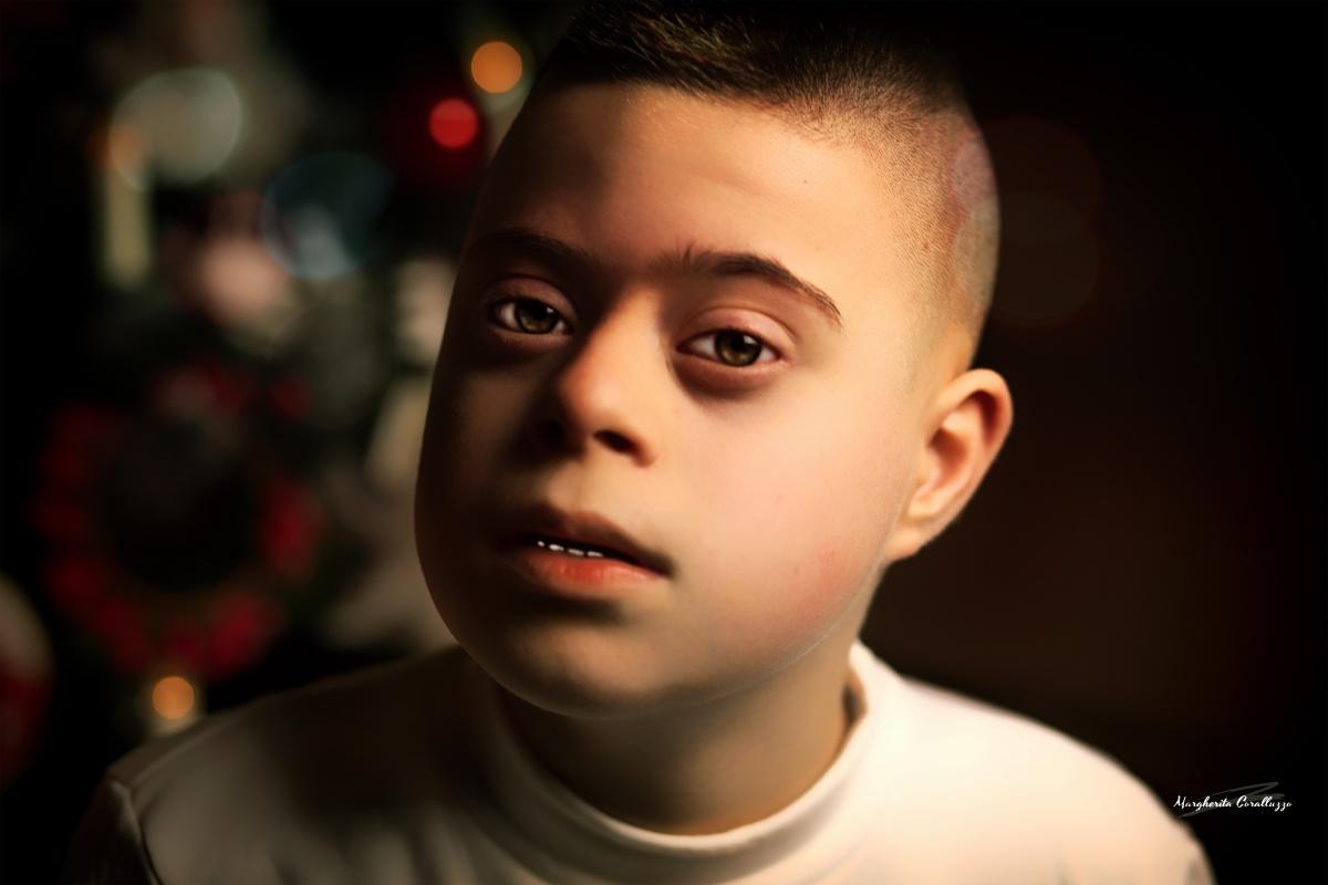 """""""L'unica vera persona cieca durante il periodo natalizio è colui che non ha il Natale nel cuore"""" - Helen Keller"""