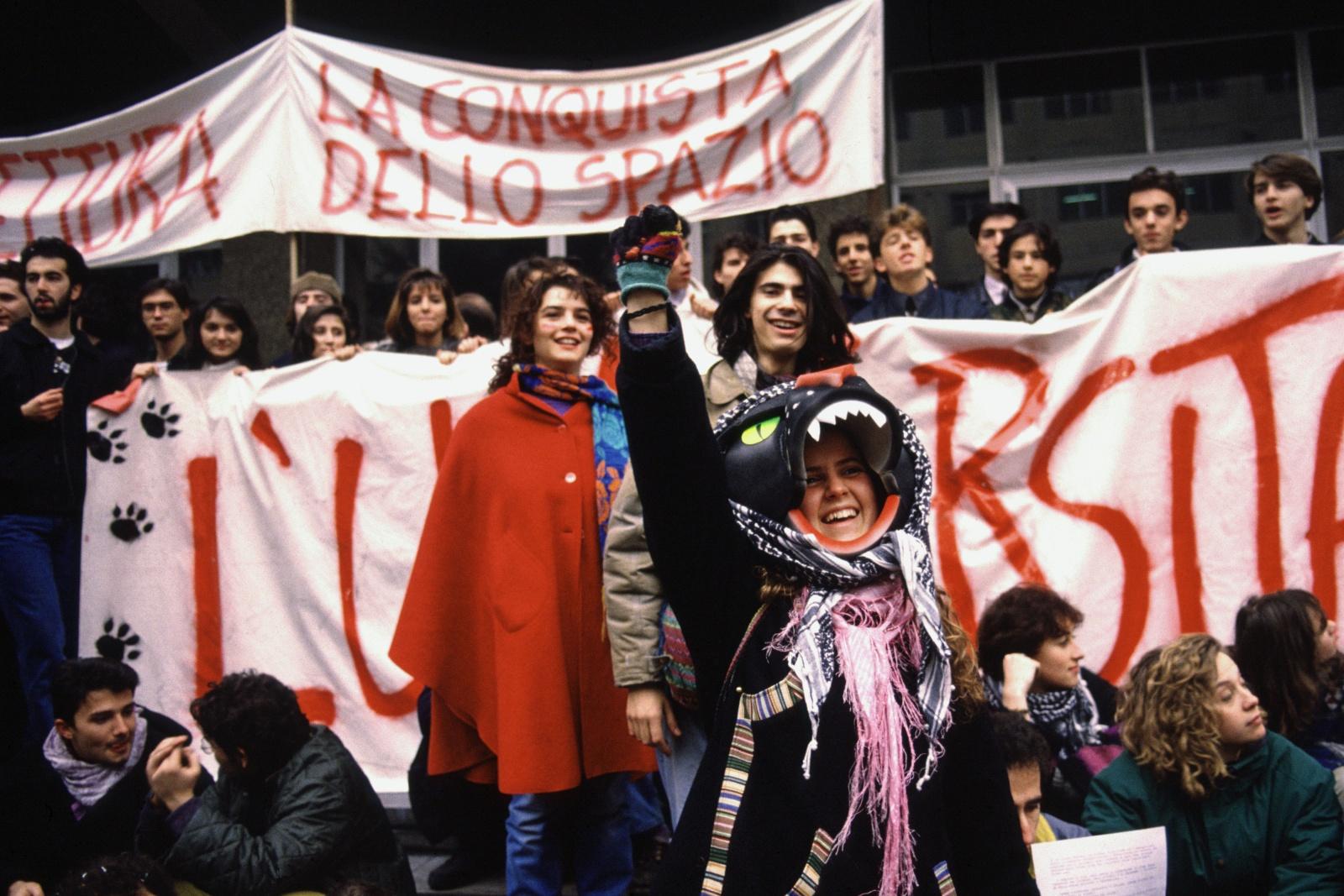 Il movimento della Pantera degli anni 1989/1990 durante una manifestazione contro la riforma universitaria del Ministro Ruberti