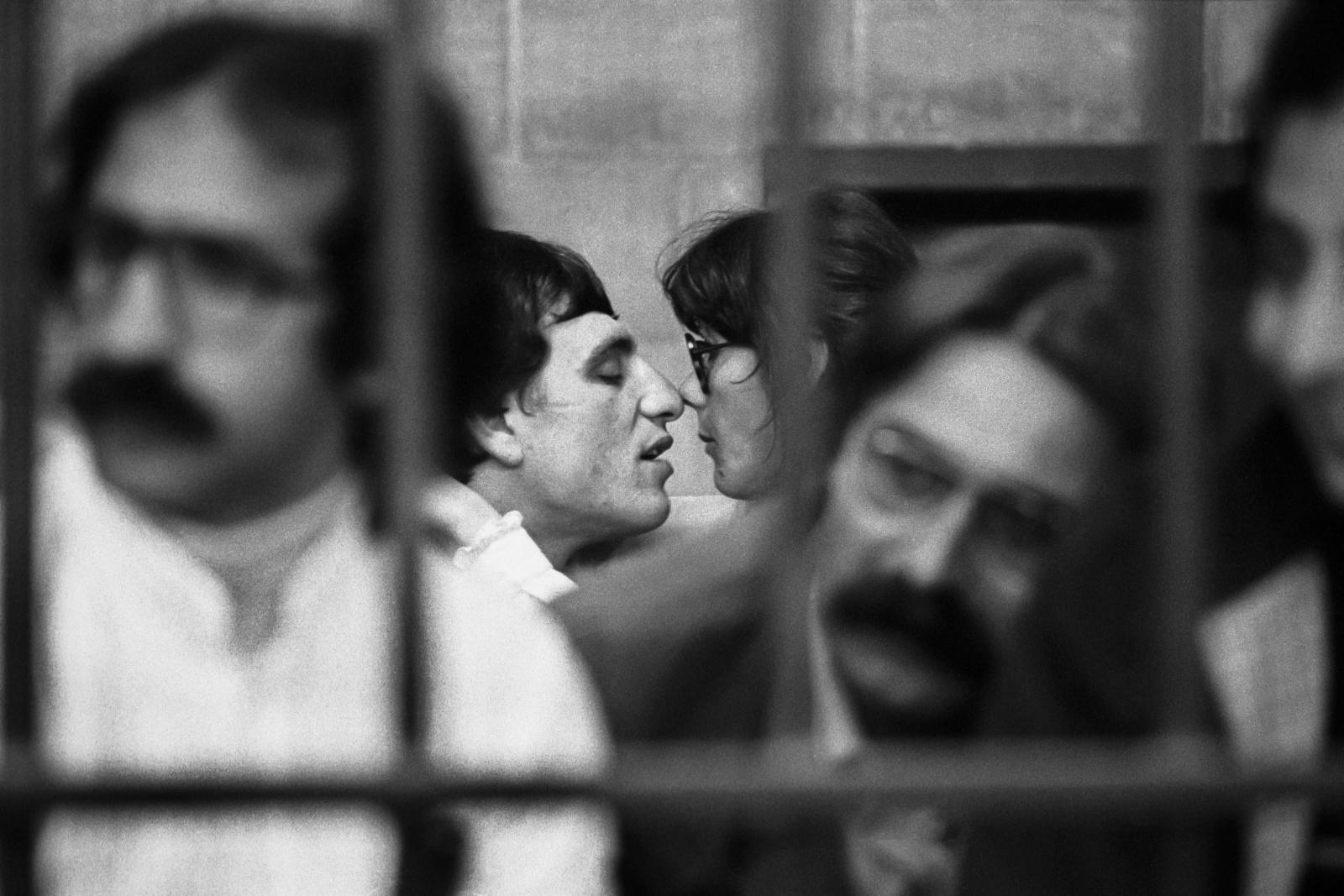 Raffaele Fiore, capo colonna torinese delle B.R, con la compagna Angela Vai al processo per terrorismo nel bunker del carcere le Vallette di Torino per i reati commessi dal 1973 al 1980