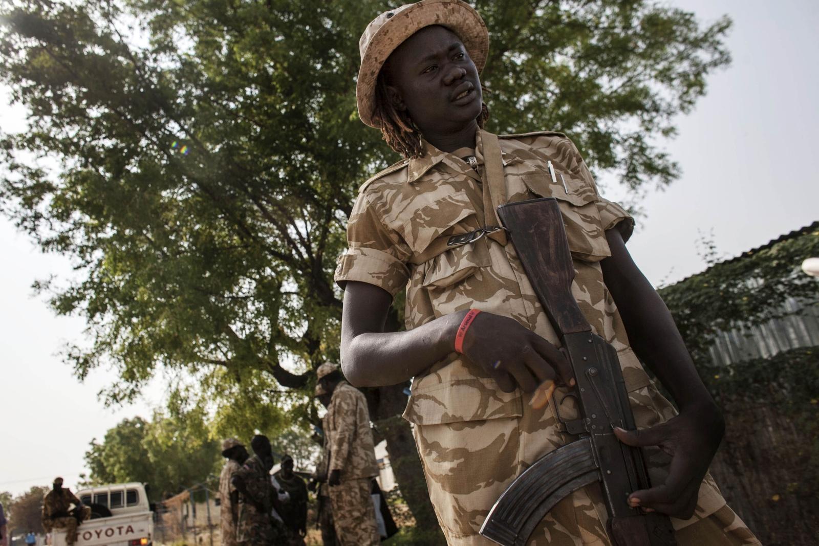 South Sudan –  Esercito SPLA  nelle strade di Bor