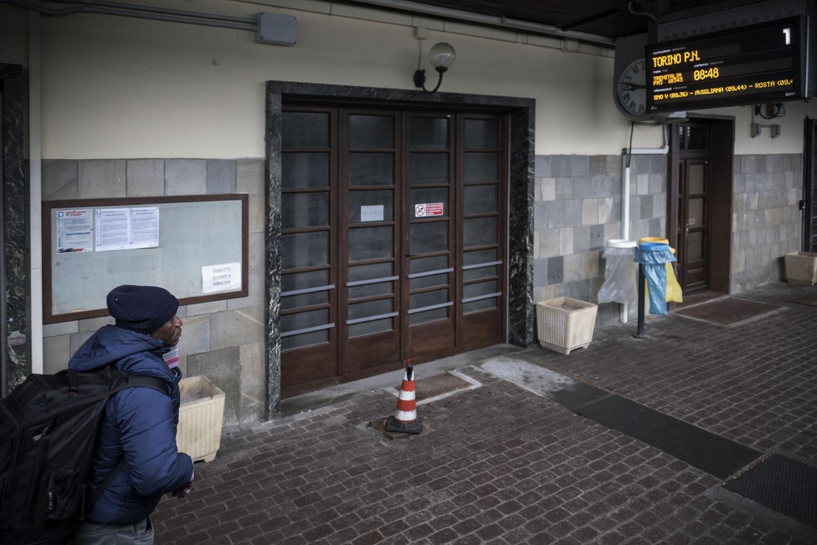 Stazione ferroviaria di Bardonecchia (val di Susa) dove i migranti cercano di attraversare il confine verso la Francia passando dal Colle della Scala
