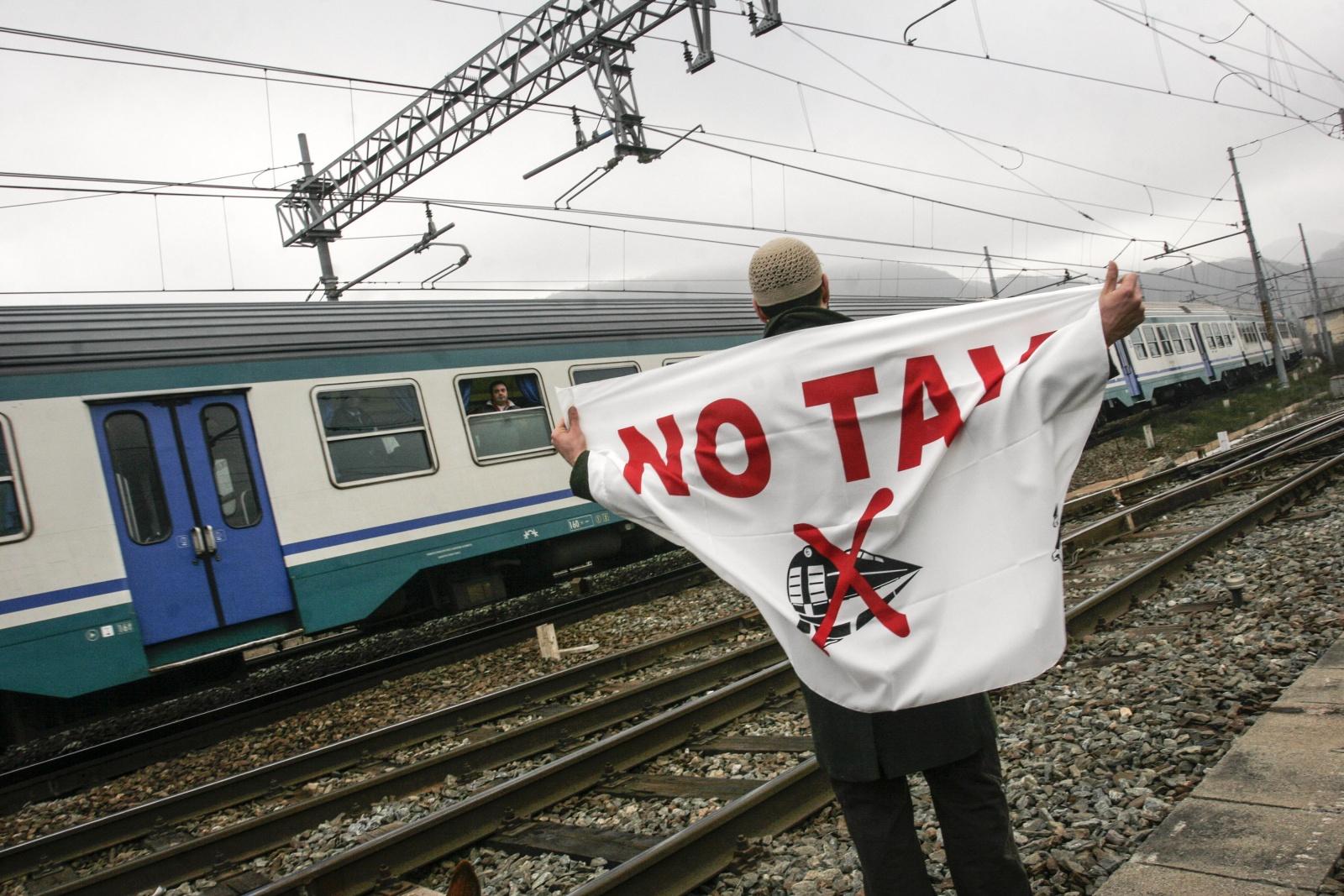 Movimento NO-TAV contro la costruzione del treno ad Alta Velocità