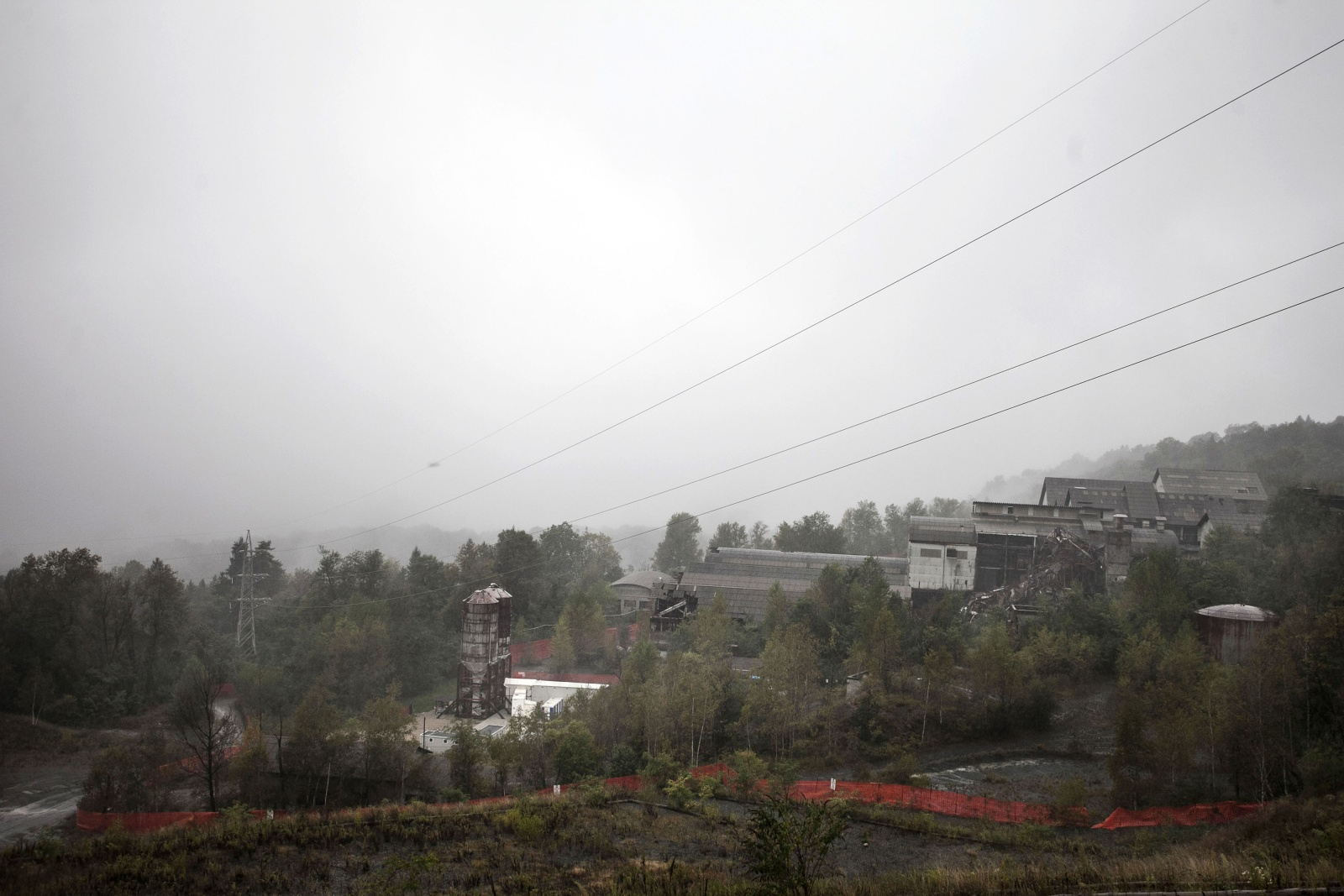 Ex miniera amiantifera di Balangero, la più grande cava di amianto in Europa e tra le prime nel mondo. Chiusa nel 1990 quando sono  iniziati i lavori di bonifica  delle quattro montagne da dove veniva estratto il materiale.